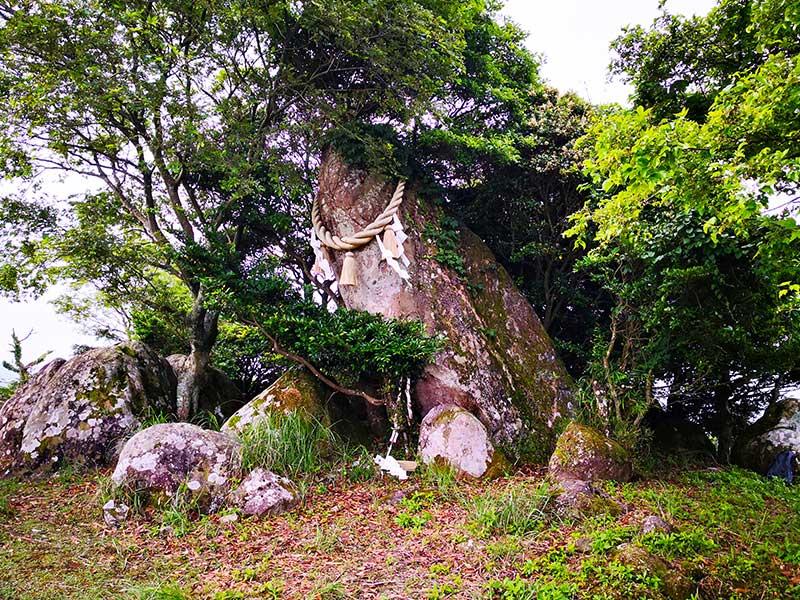 SGKT_14_Inomureyama_stone_circle.jpg