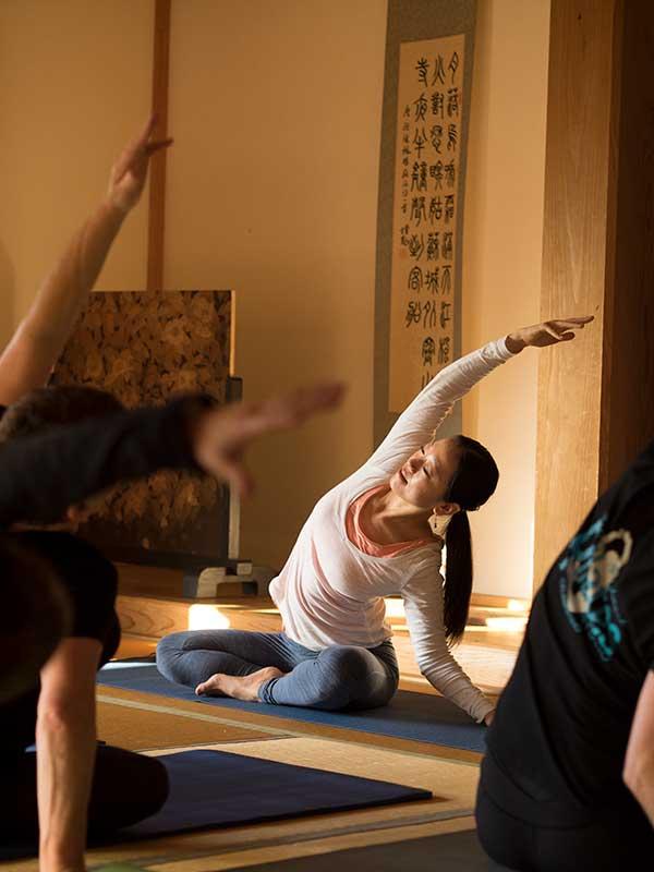 KRT04-yoga3.jpg