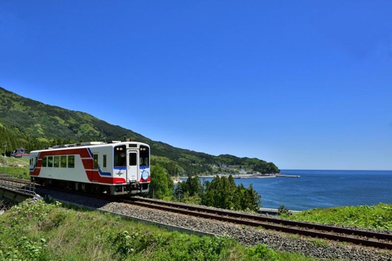 MCT_04_Sanriku_railway.jpg