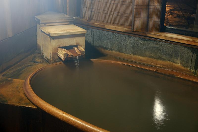 OGSA_31_onsen_bath.jpg