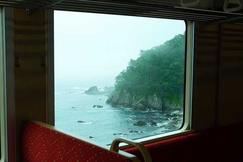 MCT_05_train_window_view.jpg