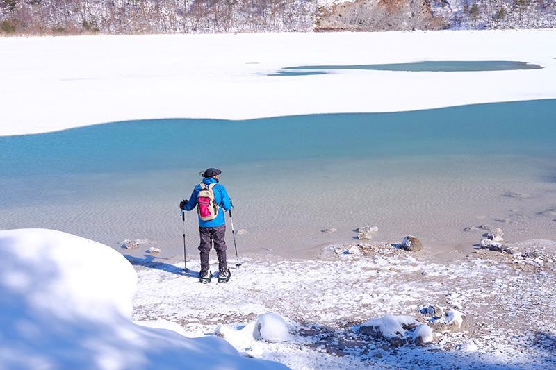 OGSA_27_Urabandai_snowshoeing.jpg