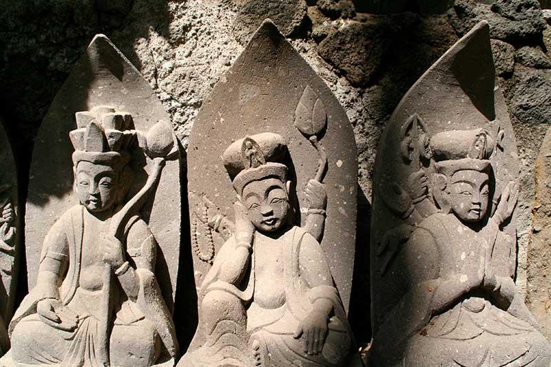 YK_16_Buddhas.jpg