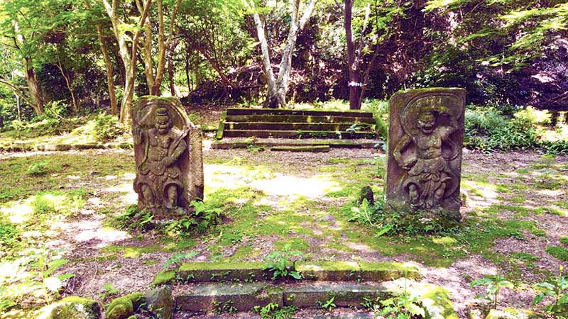 SGKT_26_Kyusentoji_Nio_deities.jpg