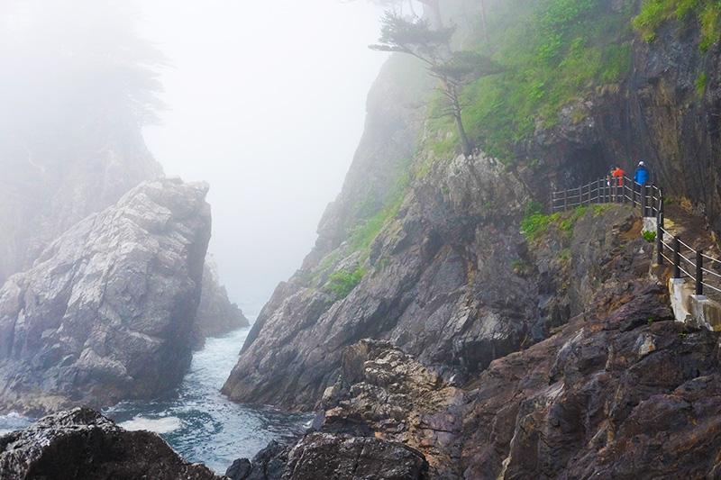 MCT_14_cliff_trail.jpg
