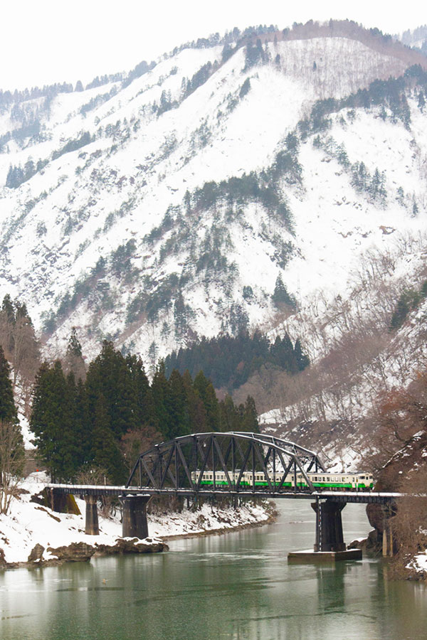 OGSA_30_Aizu_Tadami_Line_river.jpg