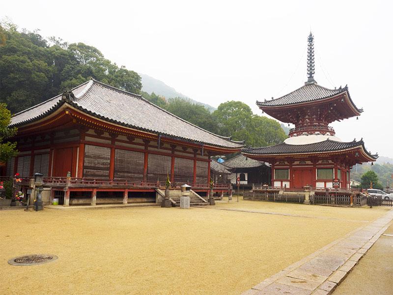 ISO_16_Onomichi_Jodo-ji_temple.jpg