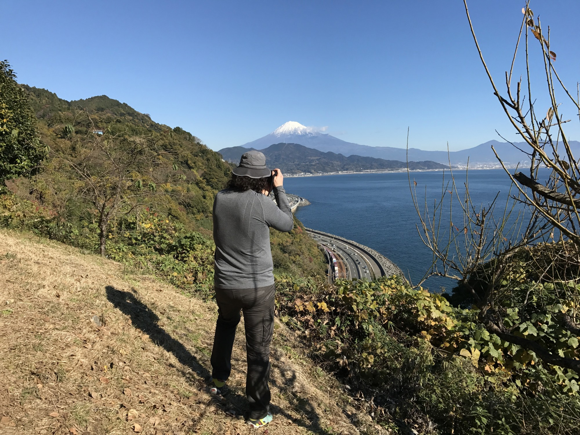 Tokaido_Trail_View_of_Mt._Fuji_02.JPG